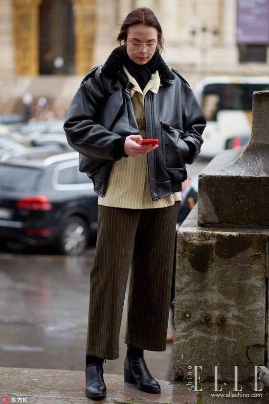 皮衣这么穿,保证你和别人不一样