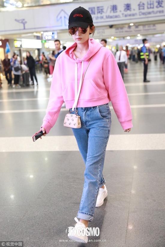 2017机场街拍到底谁赢了?女明星们通通笑而不语