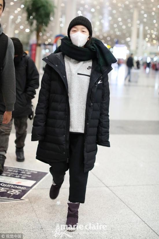 甜美周冬雨 冬衣时尚太高级