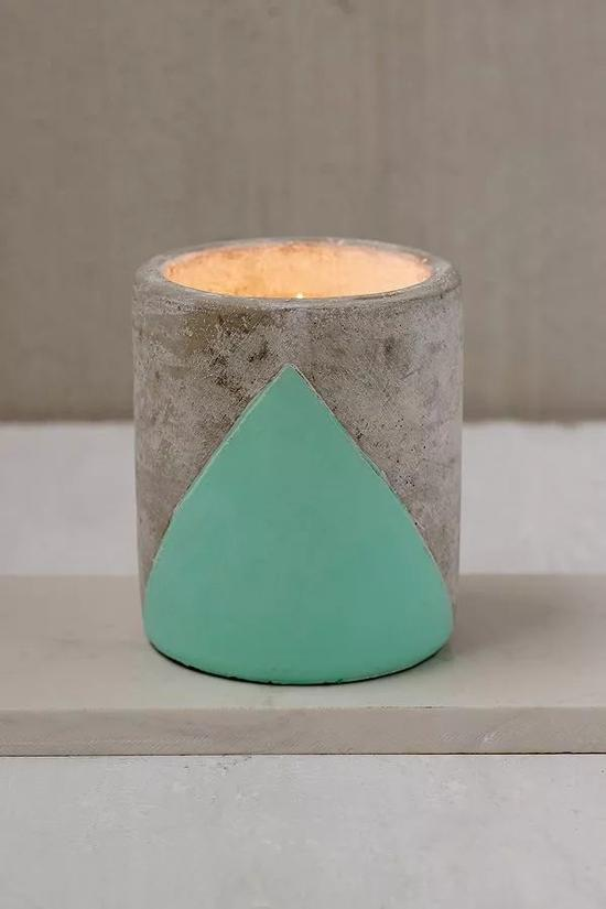 不过有一个蜡烛也不错啊