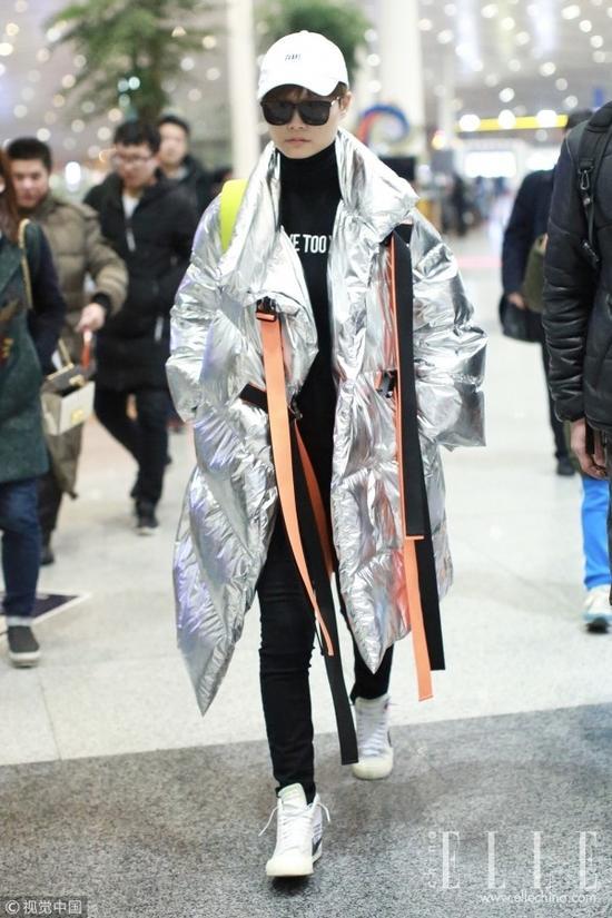 下雪的寒冬 这件时髦高领打底衫根本就不想脱