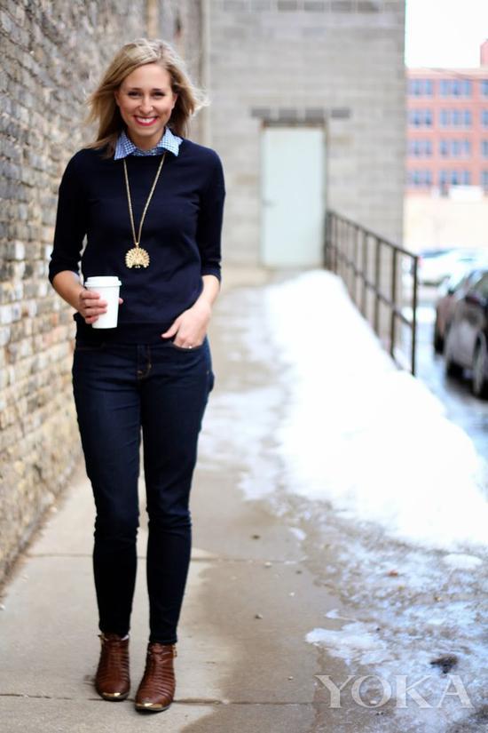 金色中长毛衣链,图片来自Pinterest。