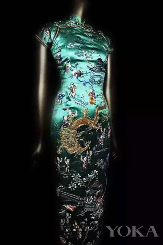黄蕙兰赠送给给大都会博物馆的旗袍,图片来自Pinterest。