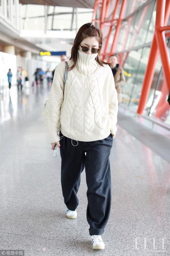 """曳地长裤+小白鞋 让你秒变""""刘英俊"""""""
