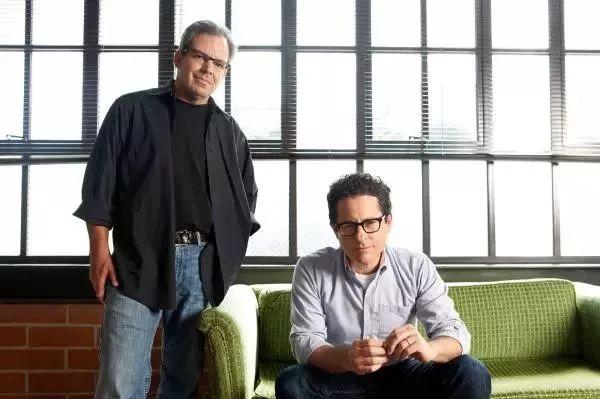 左:道格·道斯特;右:J.J。 艾布拉姆斯