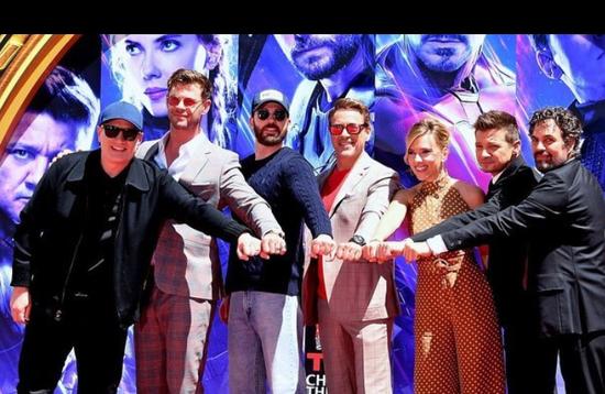 《复仇者联盟4》首映式 初代六人集合惹泪目