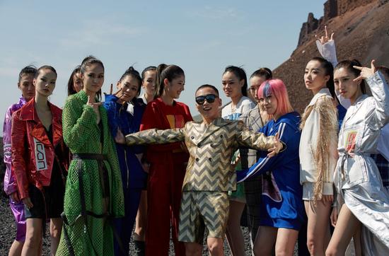 登顶火山之巅 CHI ZHANG震撼呈现ICON秀场系列
