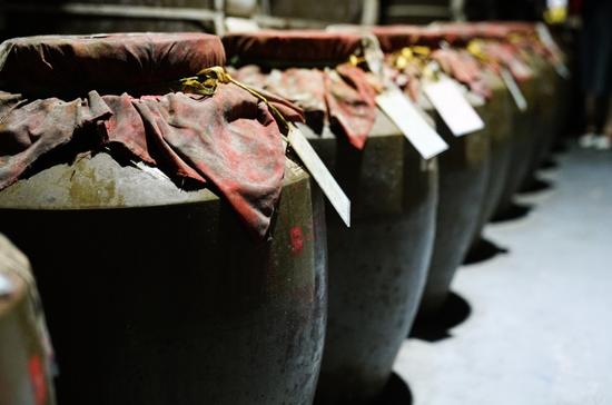 黄岩洞陶坛储酒