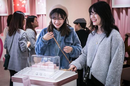 Pandora Café将成为品牌和消费者之间的爱意空间