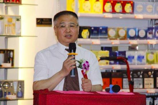 跨港通世贸国际贸易有限公司董事长 刘明