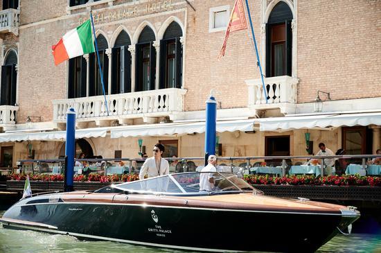 胡兵参加威尼斯举办的游艇展周年庆典活动