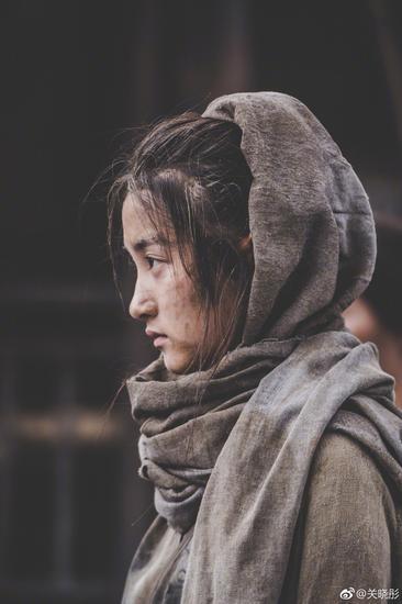 """关晓彤在电影《影》中饰演长公主青萍,""""泥妆""""代替彩妆"""