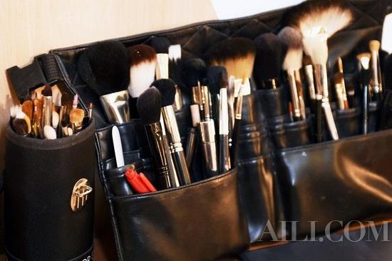 粉状产品化妆刷,每月清洁一次