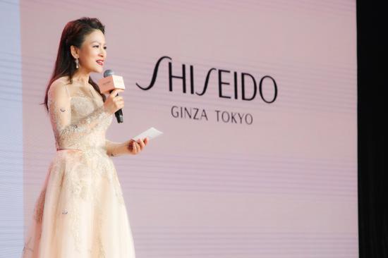 资生堂高档化妆品事业部总经理谢萍女士致辞