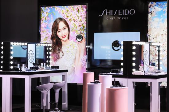 J-Beauty日式妆容体验区及专属气垫定制区