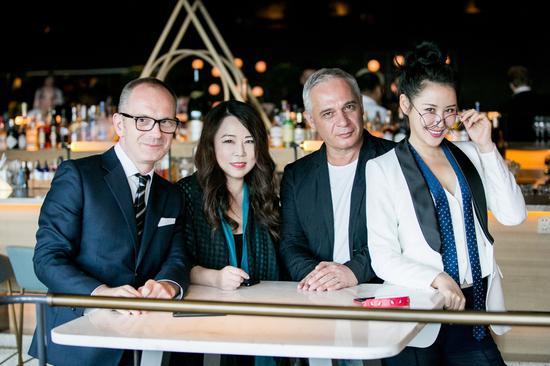 Simon Collins,Grace Chen, Marc Caniser, 左岸潇