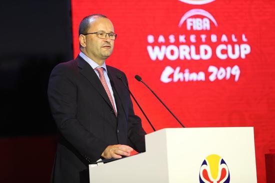 国际篮联秘书长Patrick Baumann先生登台致辞