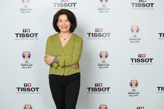斯沃琪集团中国区总裁陈素贞女士助力2019年国际篮联世界杯倒计时一周年启动仪式