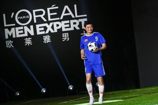 李毅欧莱雅男士型男足球友谊赛