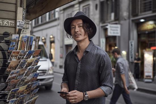 王東法國時尚大片 來源:@演員王東