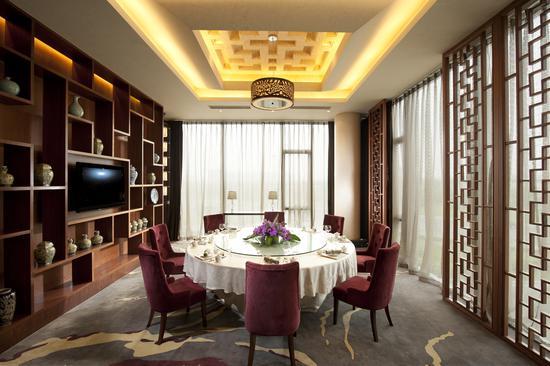 地点: 北京首都机场希尔顿酒店二楼 粤尚中餐厅