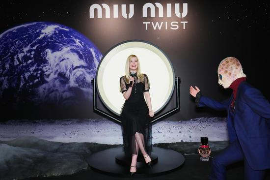 TWIST MIUse 国际影星Elle Fanning绚丽登场