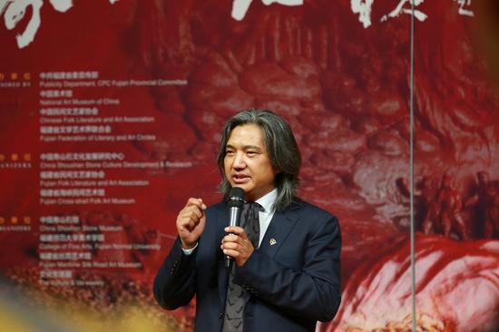 中国美术家协会副主席、中国美术馆馆长吴为山在捐赠仪式上致辞