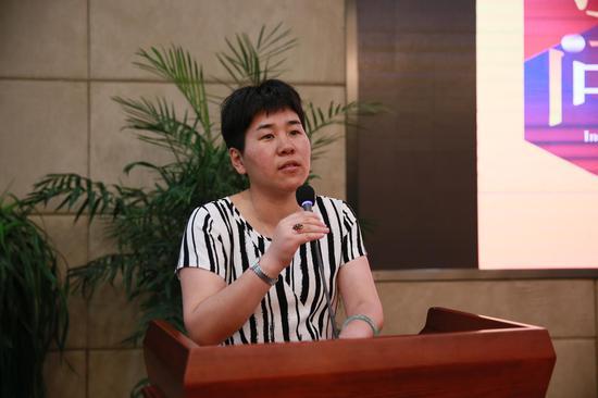 上海工藝美術職業學院院長倉平致辭