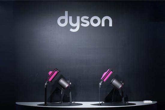 新一代戴森Supersonic吹风机全新柔和风嘴科技演示