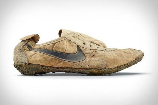 苏富比举办球鞋拍卖会!预计创下天价的是这一双!