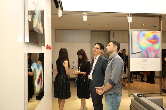 《明镜·印象》系列具当代又极富抽象意境,受到国际建筑界菁英及上海名流的喜爱
