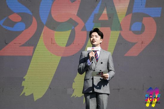 本届文化艺术节开幕式由北京电视台孙扬主持