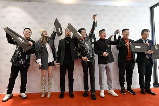 从左到右:凌哲谞,爱戴,梁宗豪,杜德伟,刘吉利,张延伟,王家光
