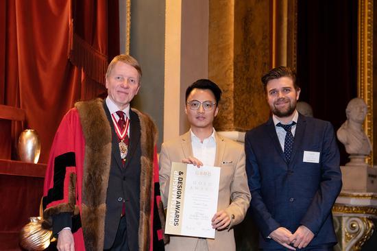 """华人设计师曾子谋携同名高级珠宝品牌ZEEMOU ZENG获颁2020年英国金匠精工艺与设计大赛""""珠宝生产""""类别金奖"""