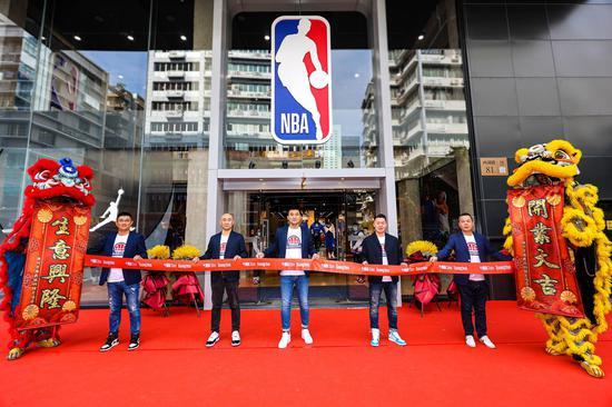 NBA全球最大旗舰店在广州隆重开业