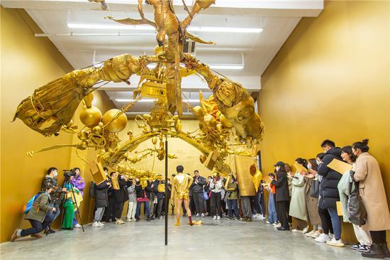 童昆鸟,三毫米上的金色恶托邦,开幕现场