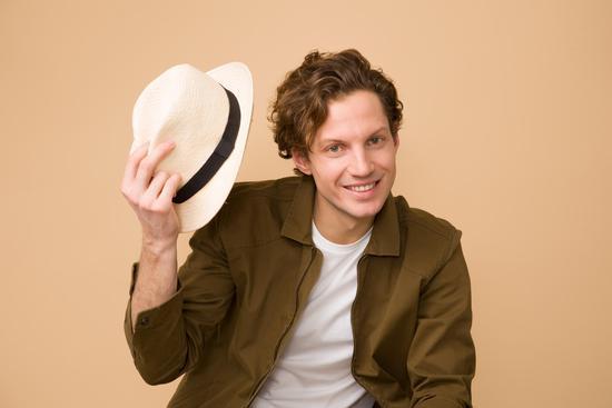 型男如何利用帽子为自己的造型加分