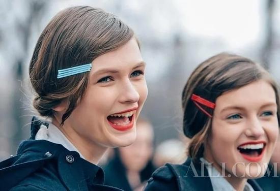利用发卡创造的新发型可以这么美