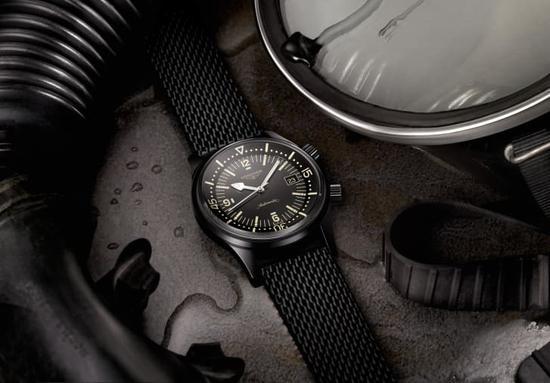 浪琴Legend Diver十周年特别版腕表,以黑色PVD涂层重新诠释1960年代经典