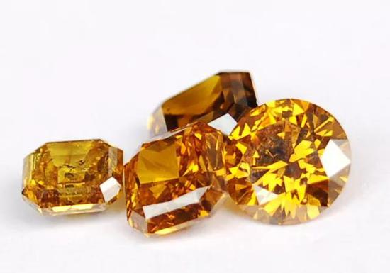 """千禧一代或成培育钻石消费主力 如何打造""""民族钻石梦"""""""