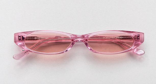 粉色太阳镜:$250
