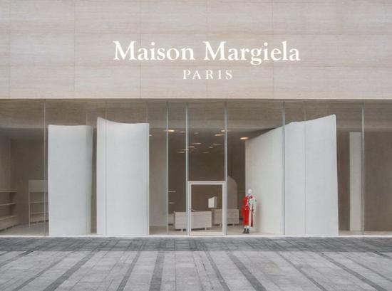 Maison Margiela上海芮欧百货新店 展示全新店铺设计概念