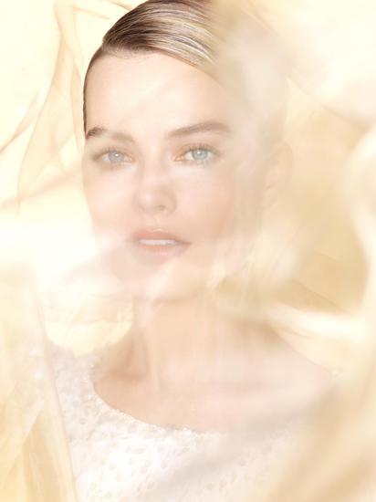 香奈儿宣布 Margot Robbie担任香奈儿嘉柏丽尔香水形象代言人