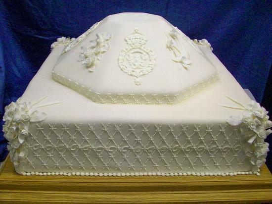 查尔斯王子与卡米拉婚礼蛋糕