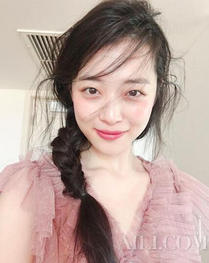 韩系小姐姐皮肤好所以都是素颜