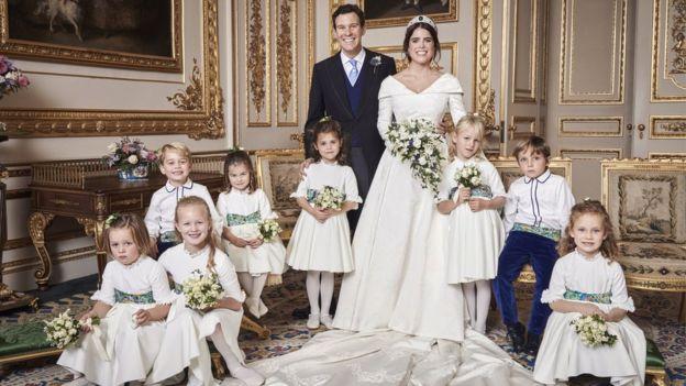 官方发布的婚礼当天的皇室大合影