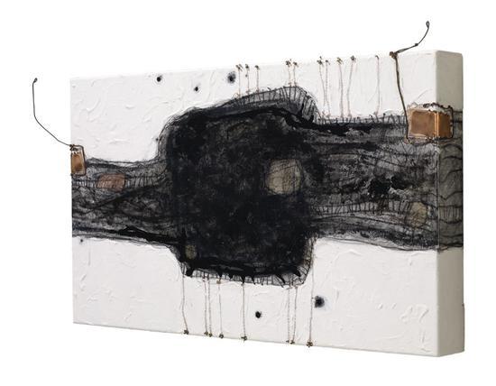 庞铫 《长角》NO.1?40x68cm?布面油画 2009