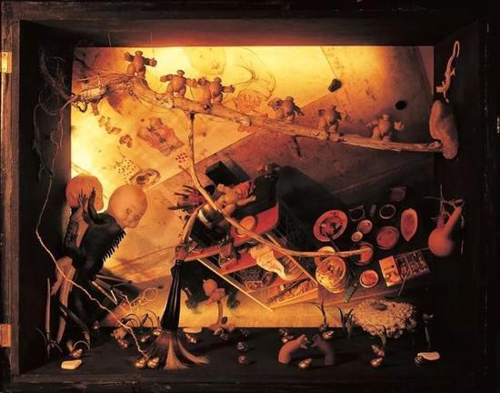 一个艺术家的工作室 An artist's studio 60 x 48 x 34 cm 2005
