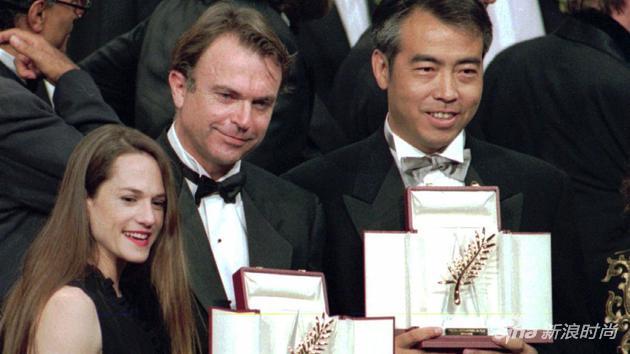 1993年,陳凱歌的《霸王別姬》與新西蘭女導演簡-坎皮恩的《鋼琴課》共同獲得當年的金棕櫚大獎
