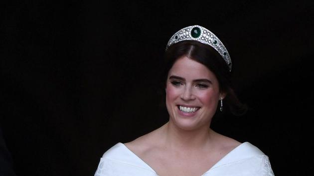 尤尼金公主佩戴Greville Emerald Kokoshnik冠冕